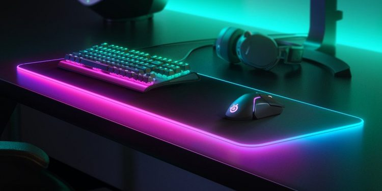 SteelSeries ra mắt bàn di chuột RGB cực lớn
